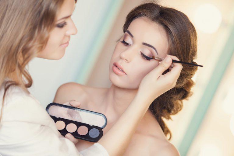 پنج سؤال که قبل از انتخاب آرایشگر روز عروسی باید بپرس
